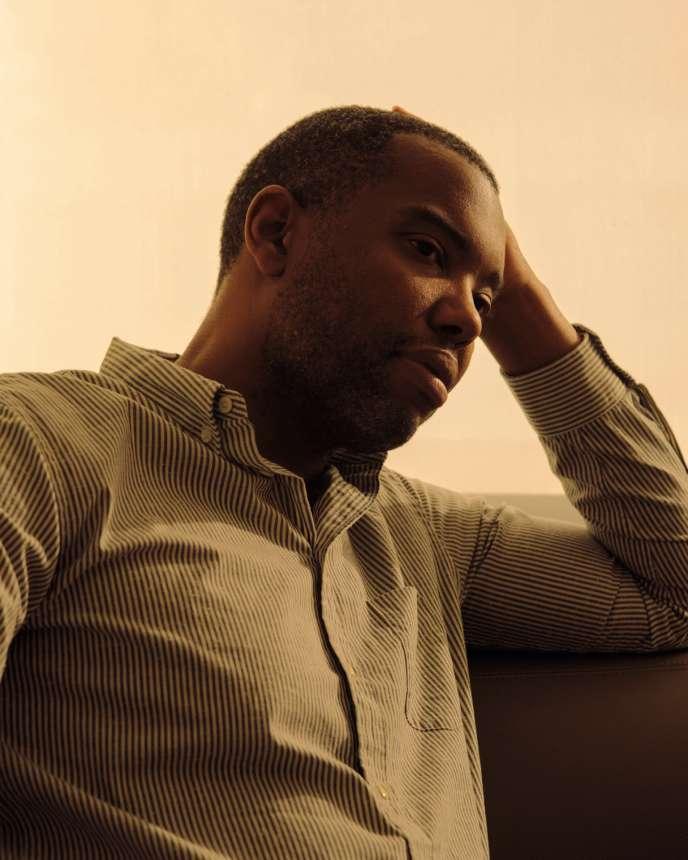 Ta-Nehisi Coates, l'auteur de« Une colère noire» (2016), photographié chez lui à New York, le 25 septembre.
