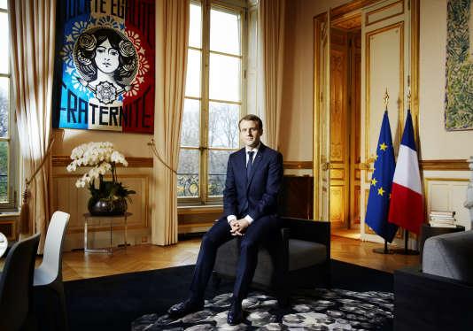 Emmanuel Macron dans le salon d'angle, l'ancienne chambre à coucher de l'impératrice Eugénie, le 11 décembre.