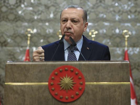 Le président turc, Recep Tayyip Erdogan, lors d'un meeting àAnkara, en Turquie, jeudi 28 décembre 2017.