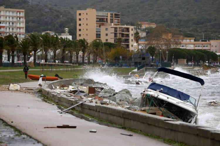 Avec des rafales de vent jusqu'à 150 km/h, la tempête a provoqué quelques dégâts matériels. La Haute-Corse n'est plus en vigilance orange.