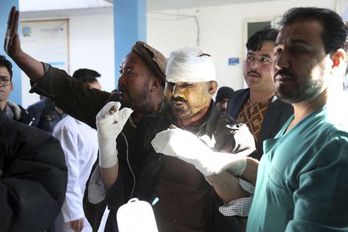 Plusieurs dizaines de personnes ont été tuées dans plusieurs explosions près des sièges de l'agence de presse Afghan Voice Agency et d'un centre culturel chiite à Kaboul, selon le ministère de l'intérieur.