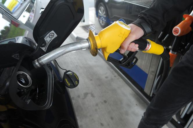 Les prix à la pompe augmentent de 7,6 centimes par litre pour le gazoleet 3,84 centimes pour l'essence