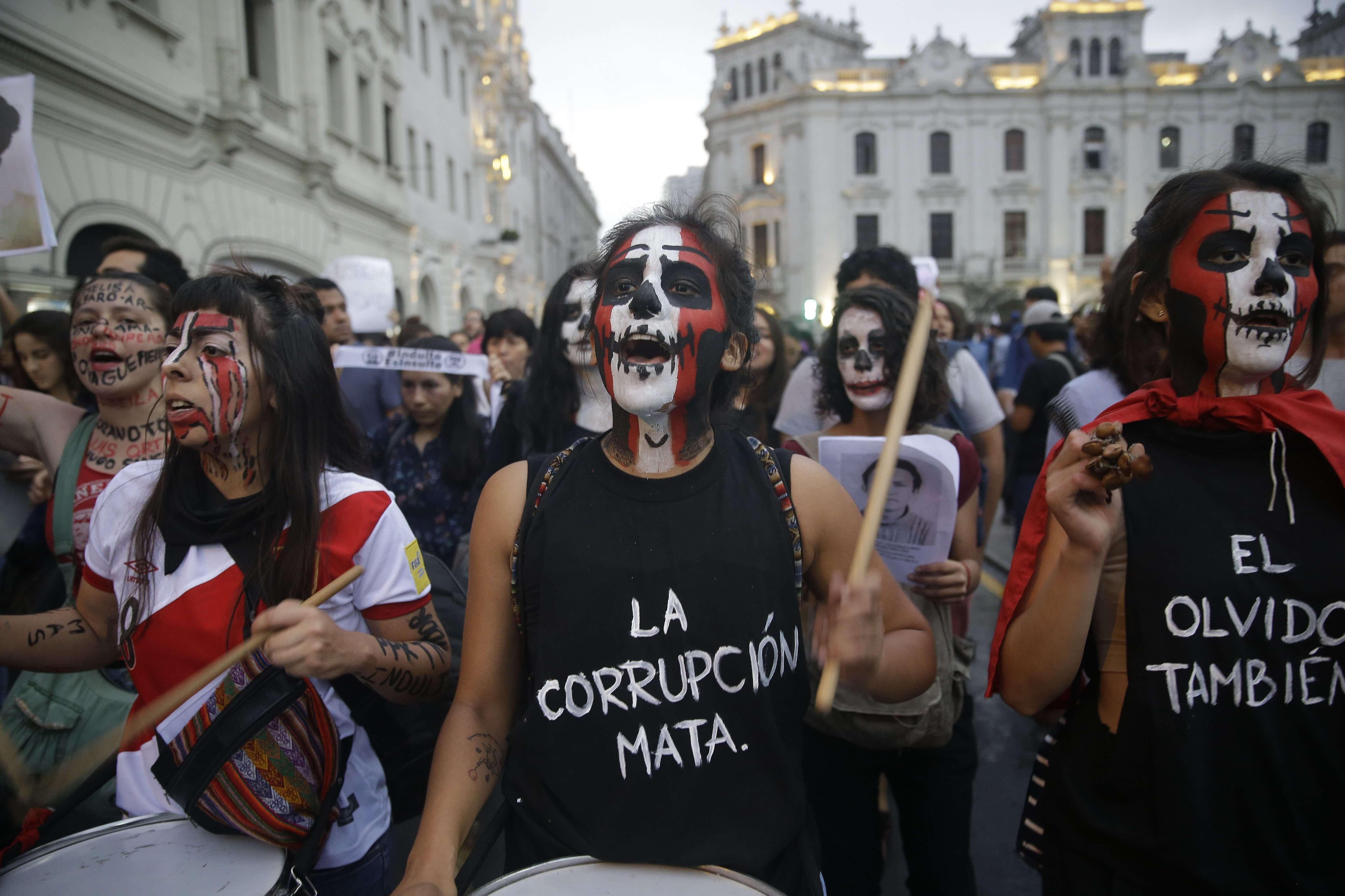 Depuis 2007, Alberto Fujimori purgeait une peine de vingt-cinq ans de prison pour corruption et crimes contre l'humanité.