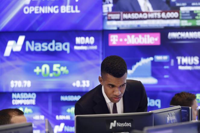 Le Nasdaq MarketSite, centre du marché boursier Nasdaq, le 25 avril, à New York. L'indice des valeurs technologiques termine 2017 non loin des 7 000 points.