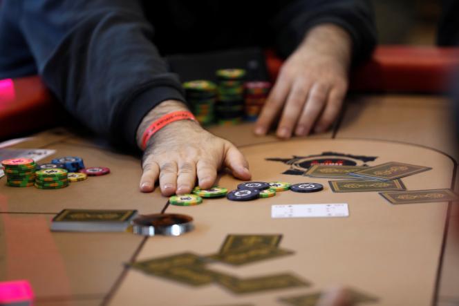 Les trois premiers projets, tous mis au point par des exploitants de casinos, sont encore en cours d'examen.