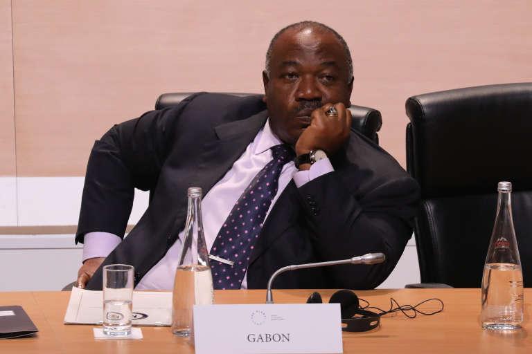 Le président gabonais Ali Bongo Odimba sur l'île Seguin, à Boulogne-Billancourt (Hauts-de-Seine), le 12 décembre 2017.