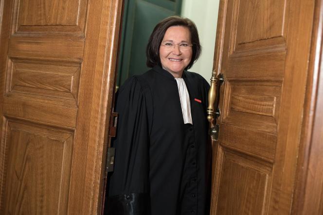 Maître Marie-Aimée Peyron a été élue président du barreau de Paris, bâtonnier de Paris, pour les années 2018 et 2019.