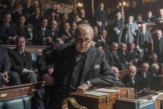 Gary Oldman incarne Winston Churchill dans« Les heures sombres».