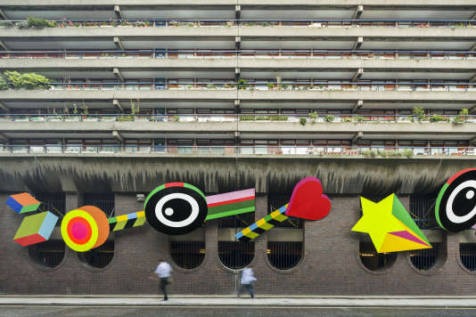 « Joy », l'une des deux installations de Morag Myerscough et Luke Morgan, à Londres.