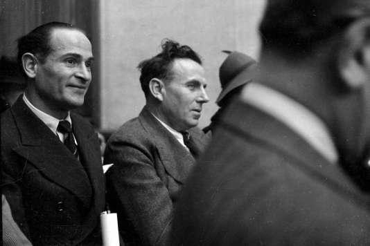 Céline (au centre) en mai 1941, lors d'une conférence à l'Institut d'étude des questions juives, organisme collaborationniste, à Paris.