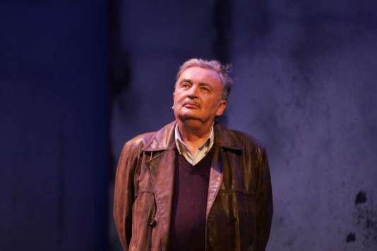 Jacques Lassalle en 2005 dans la pièce « Requiem pour une nonne» de William Faulkner au théâtre de l'Athénée.
