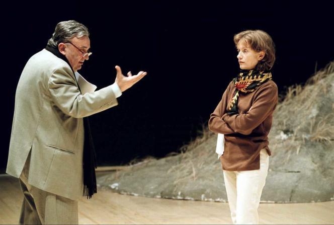 Isabelle Huppert interprète le rôle titre dans la pièce «Médée» d'Euripide, mise en scène par Jacques Lassalle, lors d'une répétition sans costumes en juin 2000.