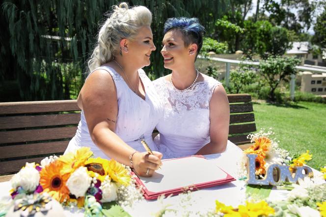 Amy Laker et Lauren Price sont officiellement les premières personnes de même sexe à se marier en Australie.