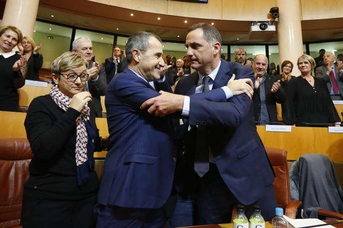 Mardi 2 janvier, l'indépendantiste Jean-Guy Talamoni a été élu président de l'Assemblée de Corse, et Gilles Simeoni, à la présidence du conseil exécutif de Corse.