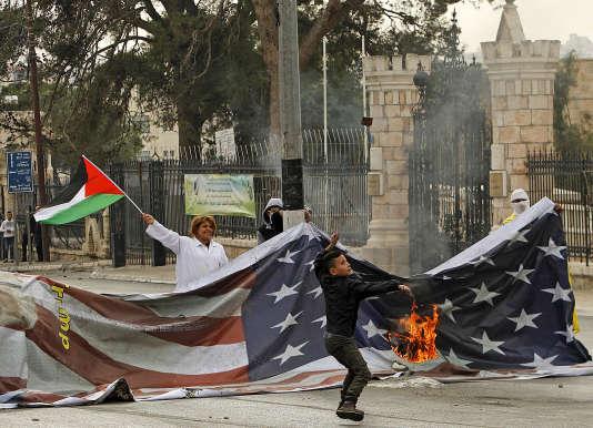 Lors d'une manifestation à Bethléem après l'annonce par Donald Trump du tranfert à Jérusalem de l'ambassade états-unienne en Israël, le 20 décembre.