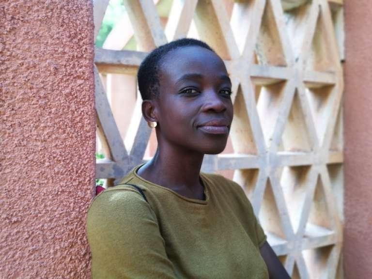Fondatrice en 2017 de la revue « Something We Africans Got », Anna-Alix Koffi est née en Côte d'Ivoire et a grandi en France.