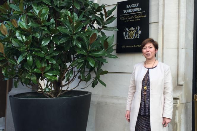 Anita Steinmann directrice de l'établissement parisien La Clef Tour Eiffel.