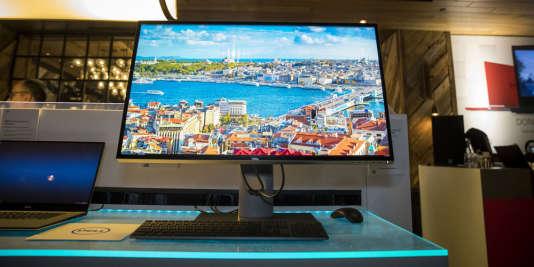 L'écran d'ordinateur Ultrasharp 8K de Dell, commercialisé à la fin de2017.