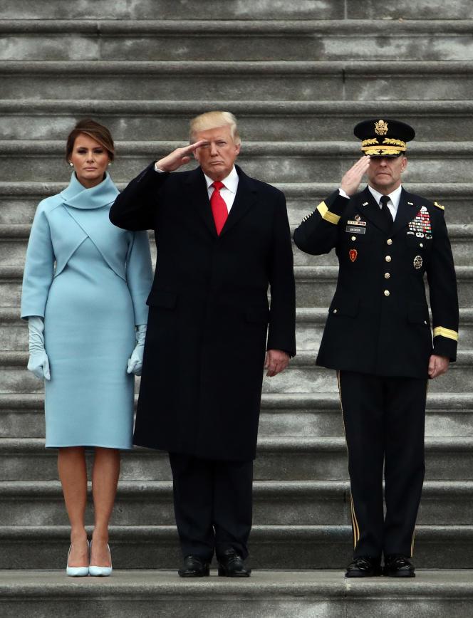Le président américain, Donald Trump et la première dame, Mélania Trump lors de la cérémonie d'investiture , à Washington D.C., le 20 janvier 2017.