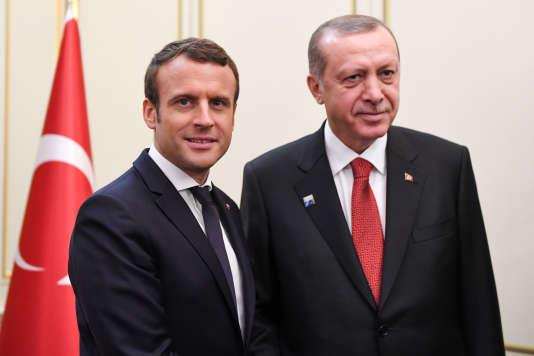 Rencontre entre le président français, Emmanuel Macron et son homologue turc,Recep Tayyip Erdogan, au sommet de l'OTAN, à Bruxelles, le 25 mai 2017.