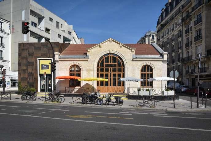 Le Hasard ludique, porte de Saint-Ouen, dans le XVIIIe arrondissement de Paris.