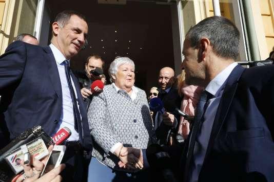 La ministre Jacqueline Gourault, Jean-Guy Talamoni (à droite) et Gilles Simeoni (à gauche), après leur entrevue, à Ajaccio, le 5 janvier.