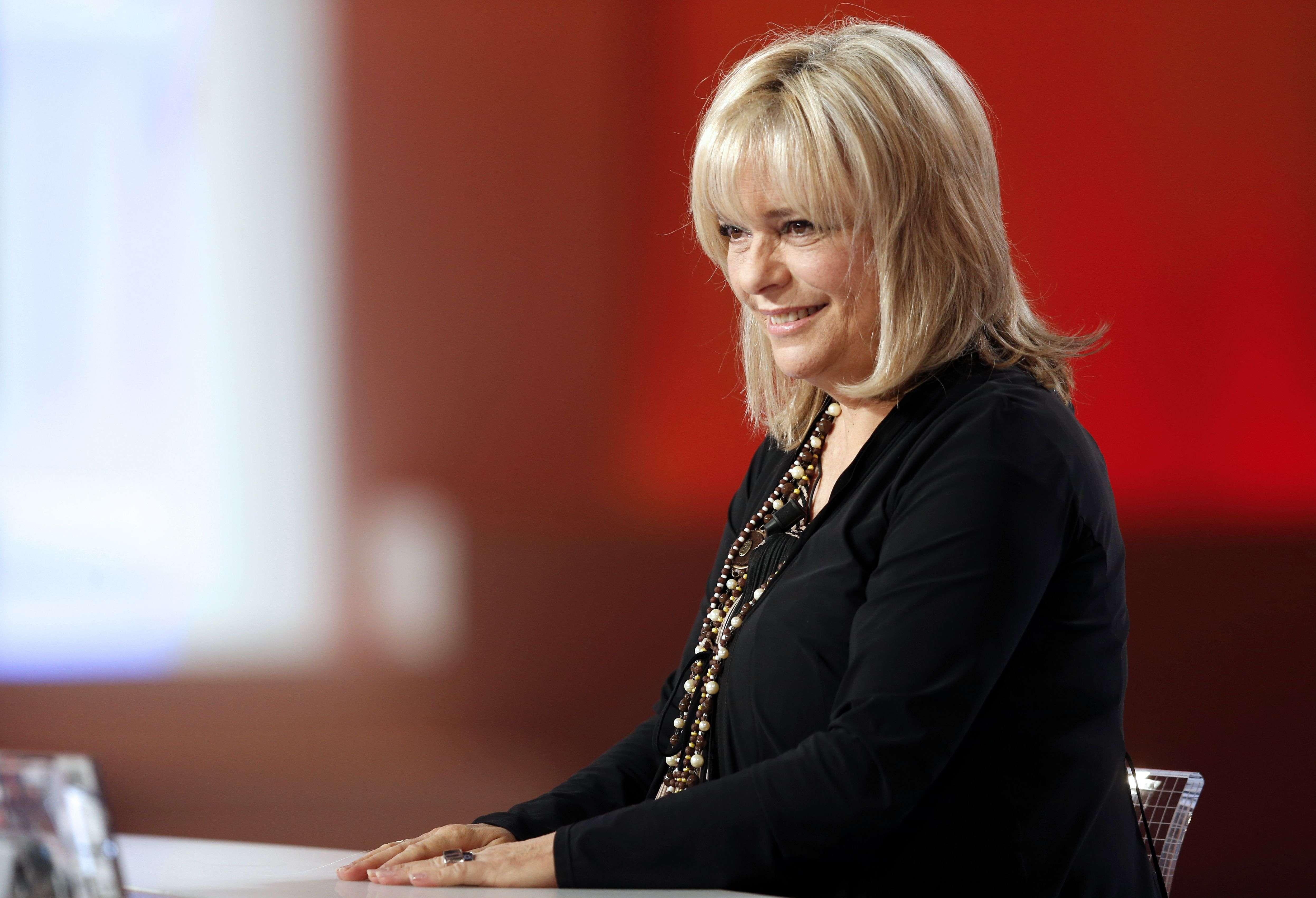 En 2012 sur Canal+. Retirée depuis 1997, France Gall apparaît dans une vidéo en 2015 pour la comédie musicale«Résiste» en hommage à son mari.