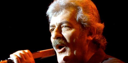 Ray Thomas, lors d'un concert à Las Vegas en 2001.