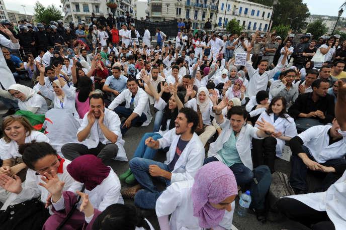 Depuis des années, la principale revendication des médecins résidents est l'abrogation du service civil (image d'archive).