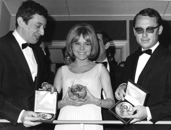 France Gall, au côté de Serge Gainsbourg, en 1965.