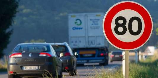 La limitation à 80 km/h sur400 000 km de routes secondaires sera effective à partir du 1er juillet.