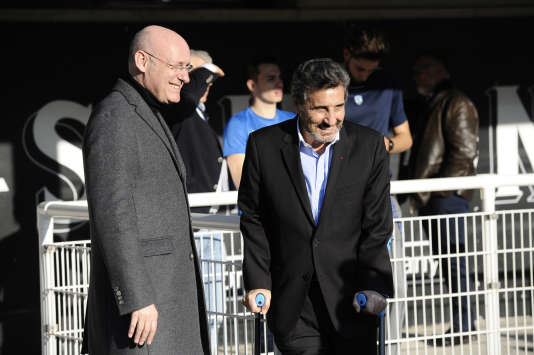 Bernard Laporte et Mohed Altrad, lors d'une rencontre entre le club d'Altrad, Montpellier, et le Stade toulousain en 2017.