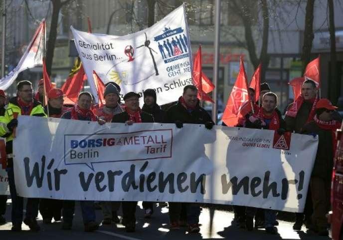 Des grèves d'avertissement ont commencé dans toute l'Allemagne, lundi 8 janvier.