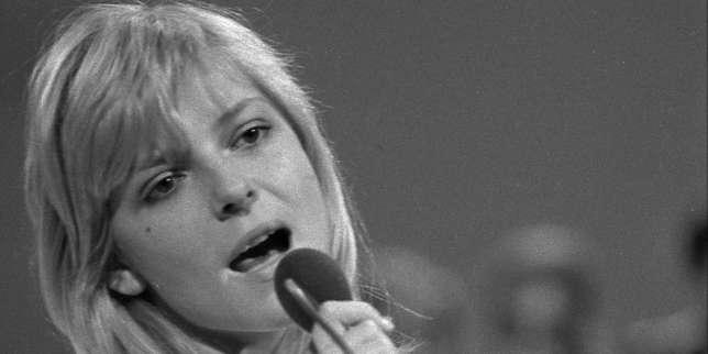 France Gall en concert en juin 1970.