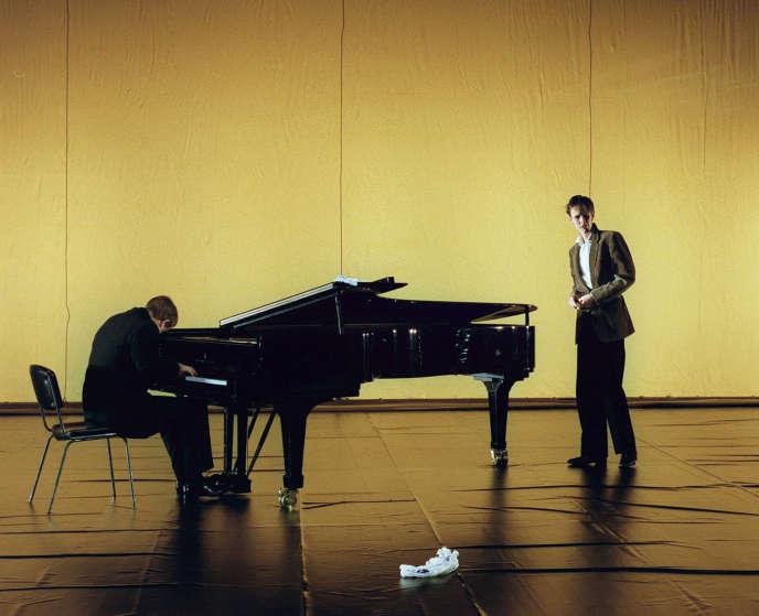 Ian Bostridge, à droite (avec Julius Drake au piano), en 1999 à Paris.