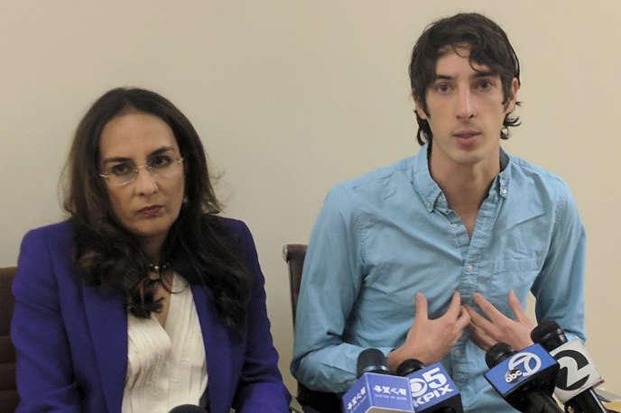 James Damore, à droite, accompagné de son avocate, Harmeet Dhillon, lundi 8 janvier.