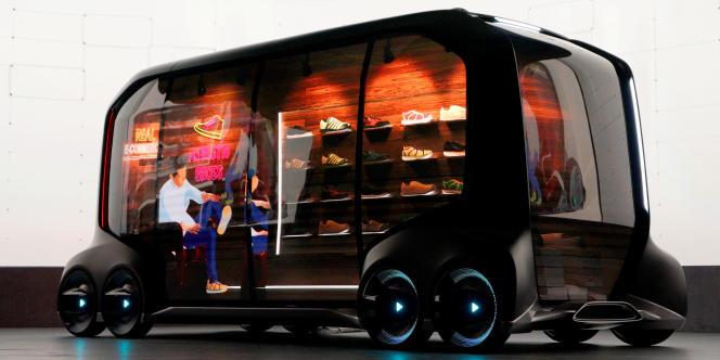 Les utilitaires ne sont pas oubliés comme le prouve cee-Palette Concept de Toyota, une sorte de camionnette-magasin entièrement électrique, autonome, connectée et multi-usages.