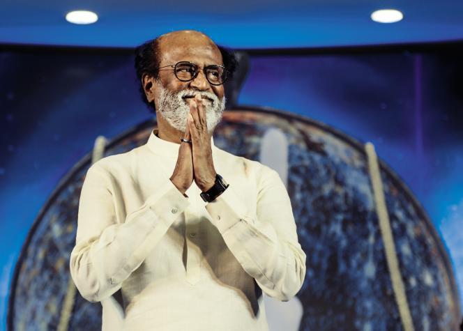 Rajinikanth lors d'une rencontre avec des fans, le 29 décembre 2017 à Chennai. Deux jours plus tard, la superstar du cinéma tamoul a créé son propre parti au Tamil Nadu, en vue du prochain scrutin régional de 2021.
