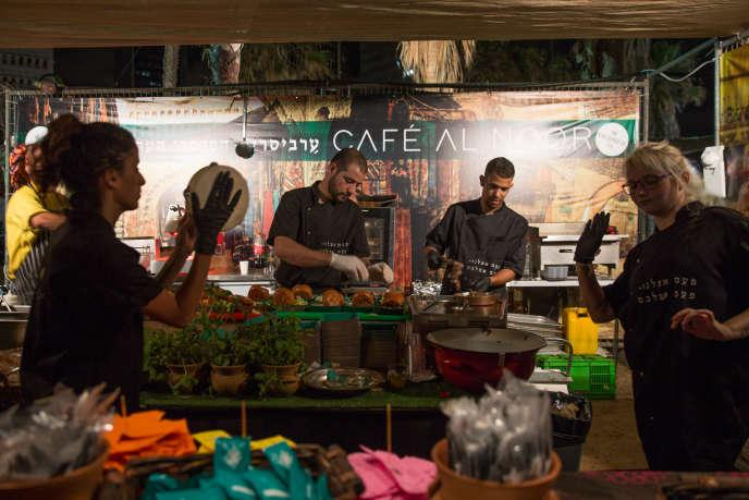A Tel-Aviv (Israël),pas de food trucks rutilants ou de sandwichs au cordeau, mais des lieux dans leur jus avec un savoir-faire maîtrisé.