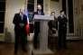 Edouard Philippe, entouré du ministre de l'intérieur Gérard Collomb et de la ministre des solidarités Agnès Buzyn, à l'hôtel de Matignon, le 21 décembre.