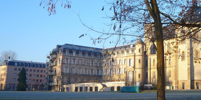 Le lycée privé Sainte-Geneviève dit « Ginette», à Versailles, obtient le meilleur taux de réussite sur cinq ans dans quatre des filières considérées.