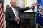 Pete Hoekstra,nouvel ambassadeur américain a passé un mauvais moment en conférence de presse, le 10 janvier, à La Haye (Pays-Bas).