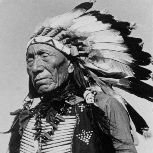 « Black Elk » en tenue d'apparat, en 1937.
