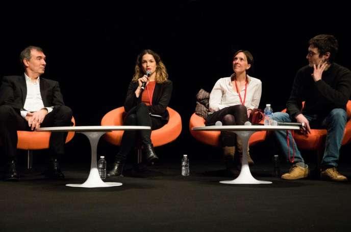 Elénore Blondeau, au centre, a fondé la startup Clean Cup.
