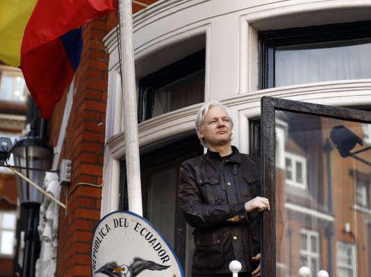 Le 19 mai, Julian Assange s'adressait à ses soutiens devant l'ambassade équatorienne à Londres.
