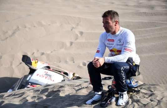Sébastien Loeb le 10 janvier : « La voiture ne bougeait plus. Il n'y avait rien à faire si ce n'est attendre le camion. Daniel a eu très mal.»