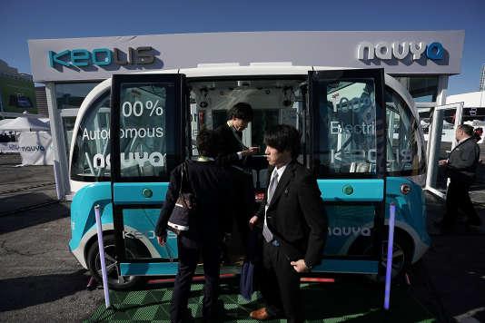 Un bus autonome de Navya et Keolis, au Consumer Electronics Show de Las Vegas, le 9 janvier.