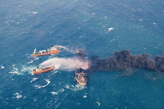 Le tanker Sanchi, qui transportait 136 000 tonnes d'hydrocarbures légers, avait pris feu suite à une violente collision avec un navire de fret.