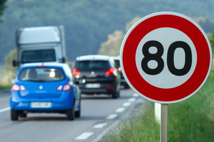 Depuis le 9 janvier 2018, la vitesse de circulation sur les routes secondaires est limitée à 80 km/h, au lieu des 90 km/h qui avaient cours.