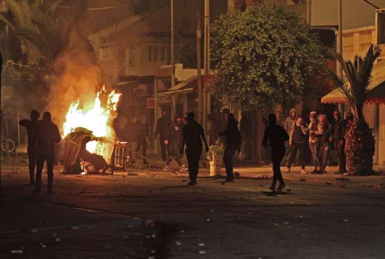 Tunisie: Près de 800 arrestations depuis le déclenchement des troubles